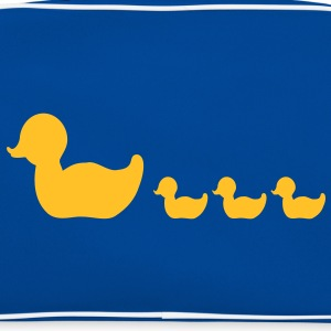 gummi and familie / rubber duck family (1c) T-shirts - Retroväska