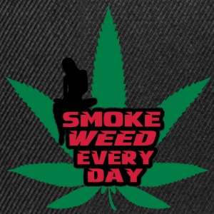 smoke weed every day T-shirt - Snapback Cap