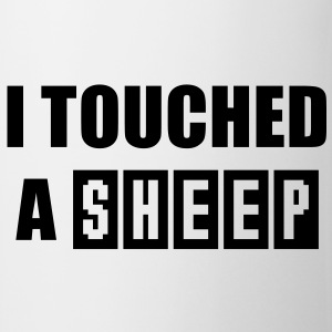 I touched a SHEEP Men's Fun T-Shirt BW - Tasse