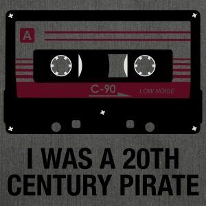 I WAS A 20TH CENTURY PIRATE - Schultertasche aus Recycling-Material