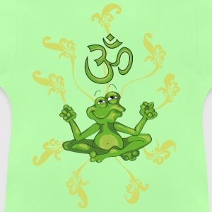 The frog sings the OM at his Yoga-Lesson Børne sweatshirts - Baby T-shirt