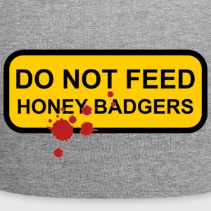 Do not feed honey badgers yellow sign - Jersey Beanie