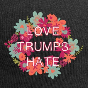 Love trumps hate - Jersey Beanie