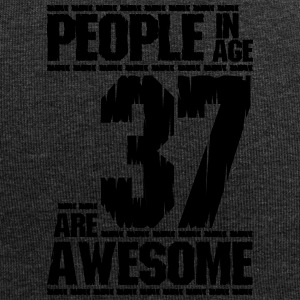 PEOPLE IN AGE 37 ARE AWESOME - Jersey Beanie