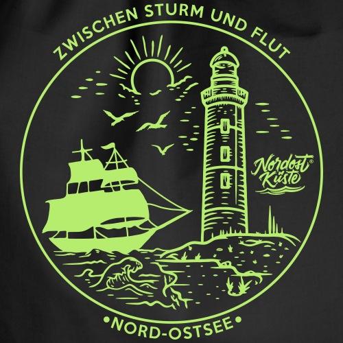 Schiff mit Leuchtturm