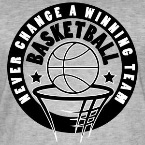 Basketball never change a winning team - Men's Vintage T-Shirt