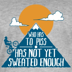 Biken - Who Has to Piss - Männer Vintage T-Shirt