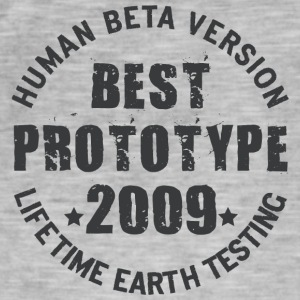 2009 - The birth year of legendary prototypes - Men's Vintage T-Shirt
