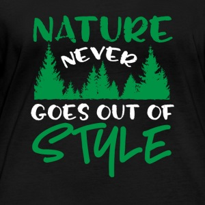Nature Never Goes Out Of Style - Frauen Bio-Langarmshirt