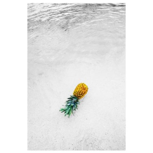 Ananas sur la plage - Poster 20 x 30 cm