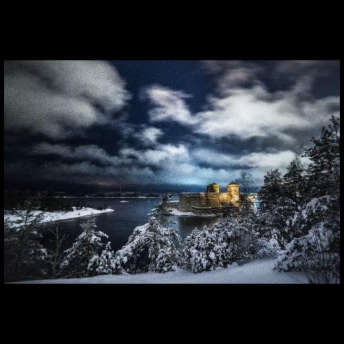 Myrskyinen Olavinlinna talvella - Juliste 90x60 cm