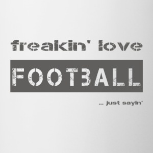 love FOOTBALL - dark T-Shirt - Contrasting Mug