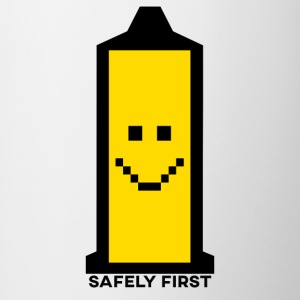 Veilig First - Smiley - Retro pixel Smilie condoom - Mok tweekleurig
