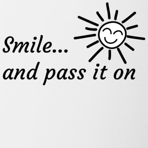 Smile...and pass it on - Tasse zweifarbig