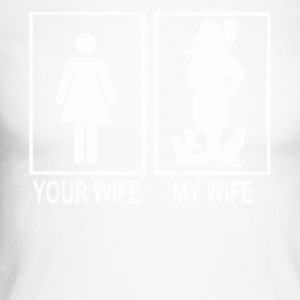 Your wife and my wife love cats Shirt - Men's Long Sleeve Baseball T-Shirt