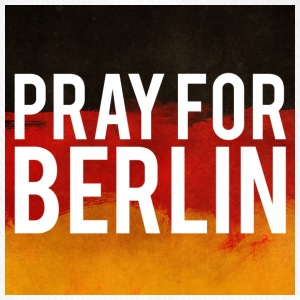 PRAY FOR BERLIN. BETTE FÜR BERLIN - Flexfit Baseballkappe