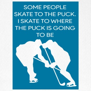 Eishockey: Some People Skate To The Puck. I Skate - Flexfit Baseballkappe