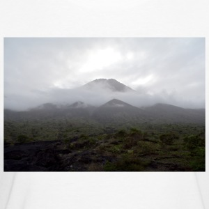 A volcano in the fog - Women's Organic T-shirt