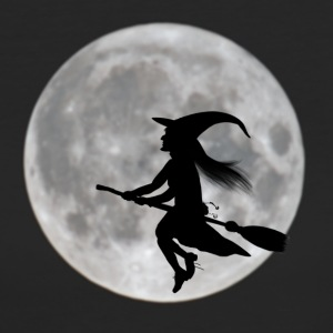 Flying witch in front of moon - Women's Organic T-shirt