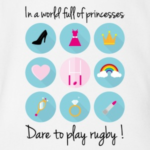 In a world full of princesses-Dare to play rugby! - Organic Short-sleeved Baby Bodysuit