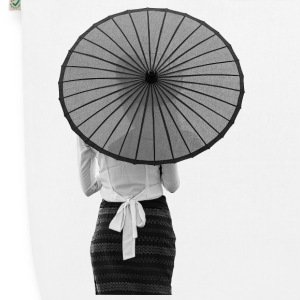 Woman with a umbrella B / W - EarthPositive Tote Bag