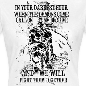 In your darkest hour call on me (dark) - Women's T-Shirt