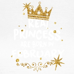 Real princesses are born in February! - Women's T-Shirt