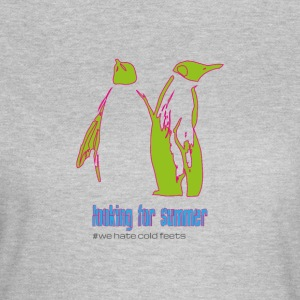 "Penguin couple ""looking for summer"" - Women's T-Shirt"