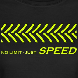 Tractor races, No Limit just speed, lawn tractor - Women's T-Shirt