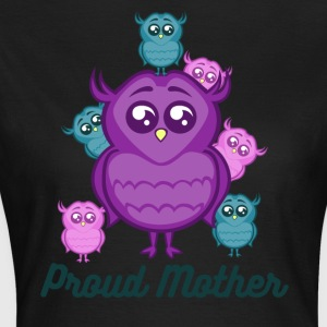 Proud Mother Owl With Baby Owls - Women's T-Shirt