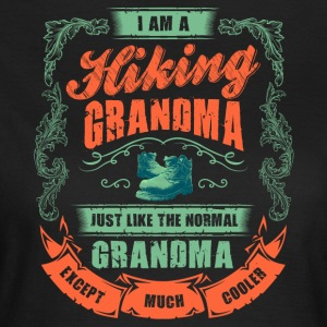 HIKING GRANDMA - Frauen T-Shirt