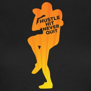 Football: Hustle hit Never Quit - Women's T-Shirt