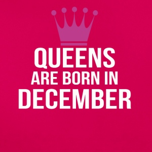 queens are born in december pink - Women's T-Shirt