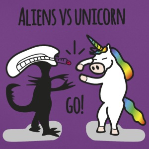 Aliens vs. Unicorn - Women's T-Shirt