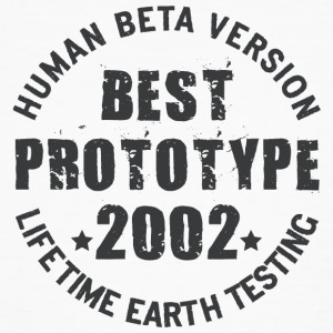 2002 - The birth year of legendary prototypes - Men's Organic T-shirt