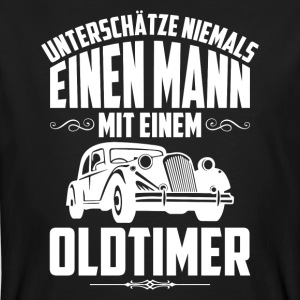 Never underline a man with a vintage car - Men's Organic T-shirt