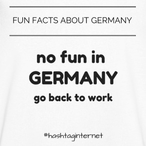 fun facts about Germany no fun in Germany go back - Männer T-Shirt mit V-Ausschnitt