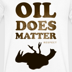 Oil does matter bird - Mannen T-shirt met V-hals