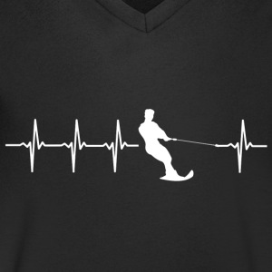Water skiing, heartbeat design - Men's V-Neck T-Shirt