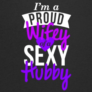 wifey Design Proud couple t-shirt - T-shirt Homme col V