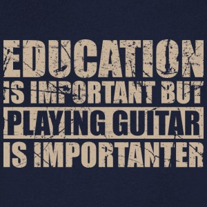 Playing guitar is importanter - Musik - Männer T-Shirt mit V-Ausschnitt