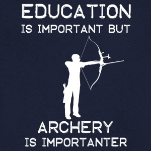Education is important but Archery is importanter - Männer T-Shirt mit V-Ausschnitt