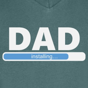 Installerar DAD (1057) - T-shirt med v-ringning herr
