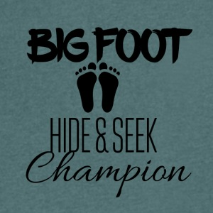 Big Foot Verstoppertje Champion - Mannen T-shirt met V-hals