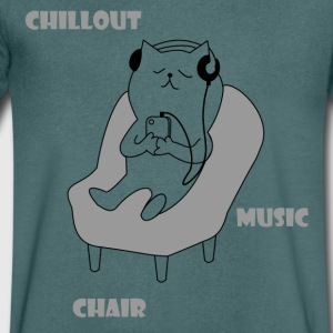 Chiller cat - Men's V-Neck T-Shirt