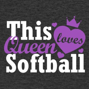 This queen loves softball - Men's V-Neck T-Shirt
