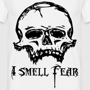 Skull of fear - Men's T-Shirt
