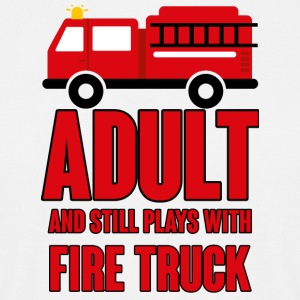 Fire Department: Adult and still plays with fire truck - Men's T-Shirt