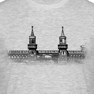 Around The World: Oberbaumbrücke - Berlijn - Mannen T-shirt