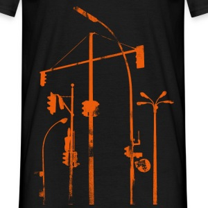 traffic lights in the city - Men's T-Shirt